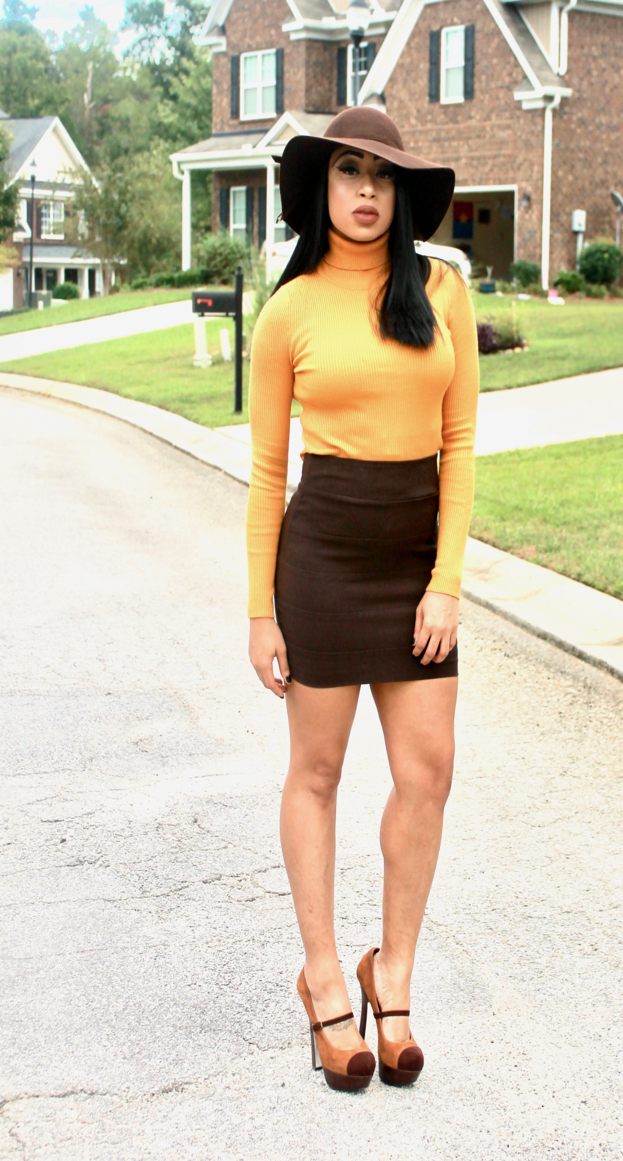 How to Wear the Color Mustard