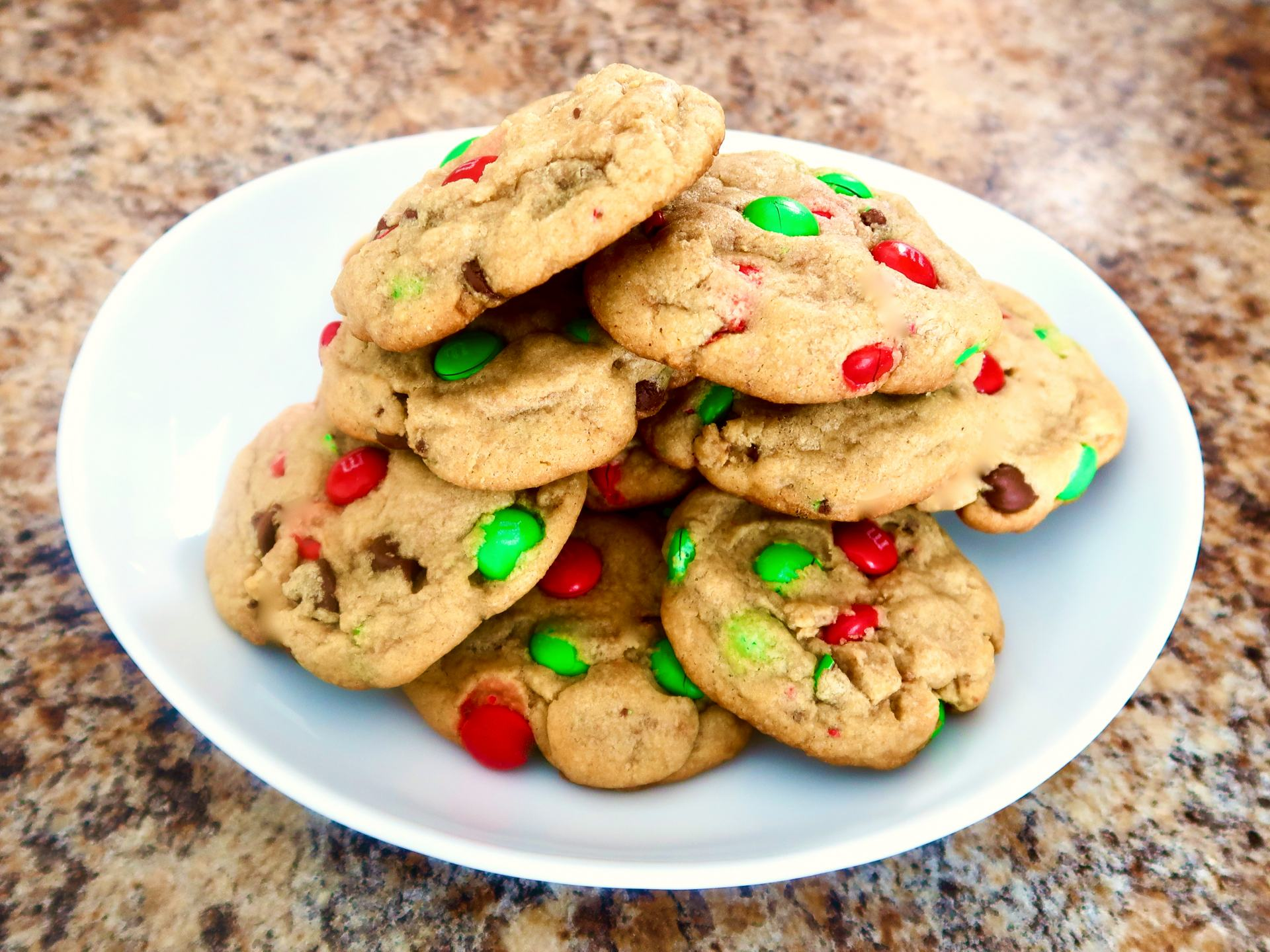 An amazing chocolate chip cookie recipe for Christmas