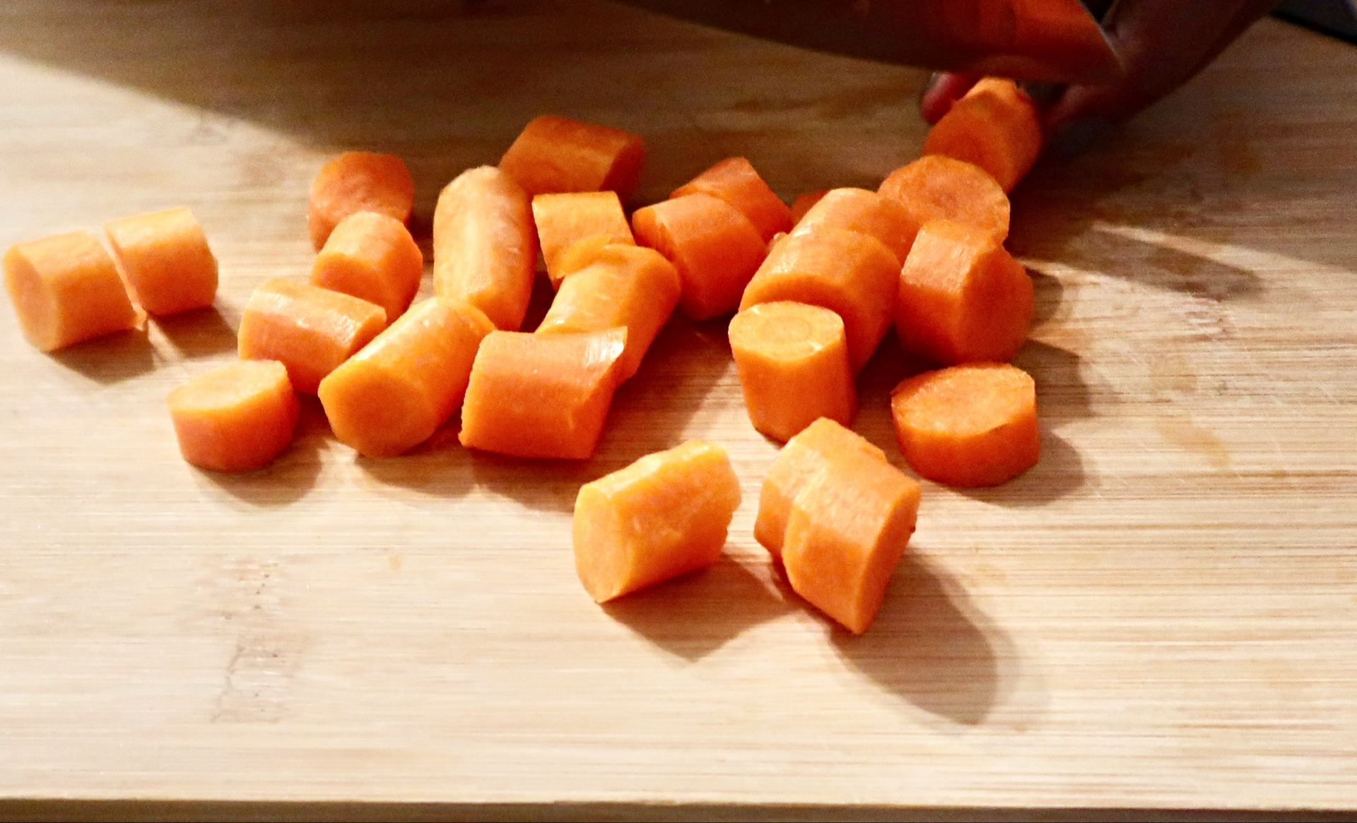 How to Chop carrots for an oxtail recipe